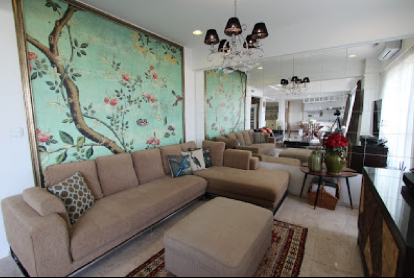 Main Photo of a 6 bedroom  Duplex for sale