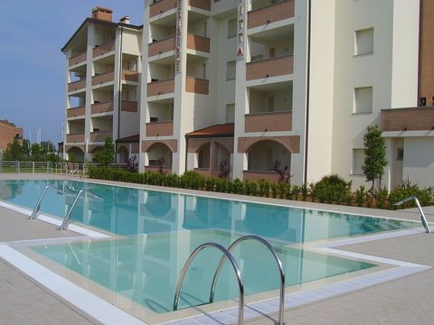 This apartment is part of a brand-new residence, located approx. 400 meters away from the center of Lido of Estensi and at a distance of 800 meters from the beach, in the heart of the Park of the Po Delta. The charming location and the comforts featu...