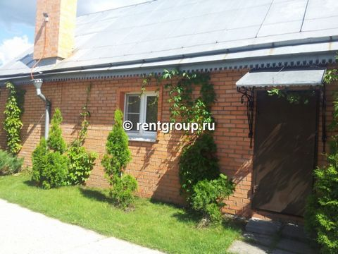 Ideal place for family leisure - guest house is the area of 60 sq. m. house is located in the section of 15 hundredths in 14 km from Moscow on Nosovikhinskomu sh. on terrethorium of avtoparking to 2 automobiles with the shed. In the house the kitchen...
