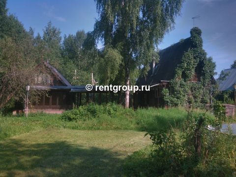 We offer to rent two wooden cottage with a transition with a total area 200 sq.m. Holiday shall be for a day, weekends and holidays. Each house has as many as 4 bedrooms, hallway, as well as bio-toilet. The area adjoining the site - 20 acres. On the ...