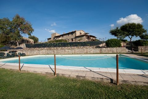 This apartment is part of a farmhouse situated right in the middle of the Italian region of Umbria. This farmhouse lies near the historic towns of Assisi, Perugia, Todi and Montefalco. It is built of stone and has 8 wonderful apartments and two rooms...