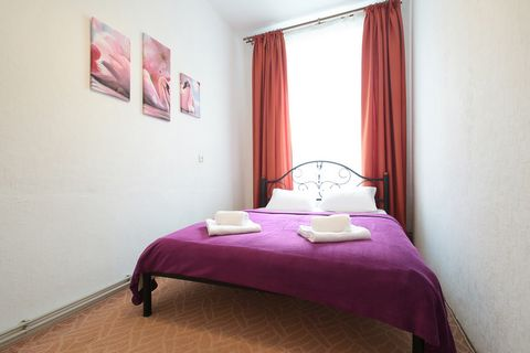 The 2-room apartments are located on Hnatyuk 16, on the 3/3 floor. In the heart of Lviv. The apartments have: - Built-in kitchen; - Refrigerator; - Microwave; - Electric kettle; - Gas stove; - Cutlery; - Kitchen appliances; - Wine glasses; - Water gl...