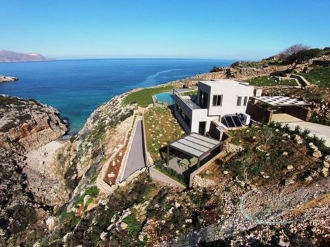 This luxury villa for sale in Canaa is located near the village of Kokkino Chorio, in the Apokoronas region of Crete. Oasis of calm and luxury overlooking a secluded cove, this magical villa can be a perfect setting for a permanent residence as well ...