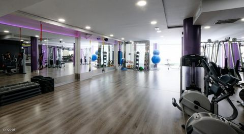 Asking Price 49,000E Leasehold - Price Reduced! Fantastic Gym in Barcelona 800+ Members Run Under Management Located in One of the Busiest Roads in Barcelona Due to the vendor relocating back to Australia this fantastic opportunity has come to market...