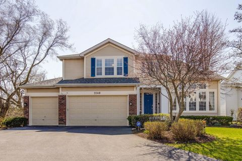 MAIN LEVEL BEDROOM AND FULL BATH!!! Come fall in love with gorgeous 5 bedroom, 3 bath home nestled in AWARD-WINNING Stevenson High School district. Enter through your grand two-story foyer and enjoy home's bright and airy voluminous layout- ideal for...