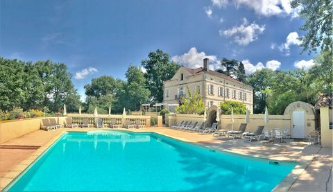 Manor House from the 19th century, renovated, on 750 m² of living space. This Majestic property offers a quiet and peaceful atmosphere, on a landscaped park of 8000 m² with a great heated swimming pool and a terrace of 180 m². 12 bedrooms, including ...