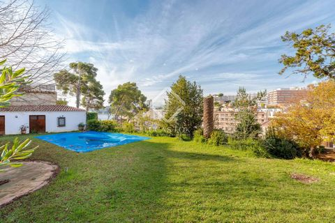 This house enjoys a perfect location in the centre of Lloret de Mar, with all services nearby and far from the noise of the town. The house offers a lot of tranquility and privacy. The terrain was semi-flat and had a lot of unevenness, but it was fla...
