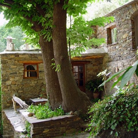 Rural Tourism Business of five houses fully licensed inside the Natural Park of Sierra Nevada in the desirable tourist area of the Alpujarra The farm consists of three buildings that we call A, B and C that make up the 5 houses. Building A was former...
