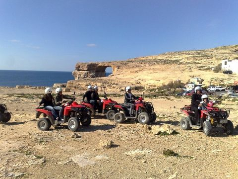Asking Price €250,000 Well Established Activity Business 24 Quad Bikes Fantastic Opportunity This is a great opportunity to purchase a well established activity business based on the Orihuela Costa. It has 24 quads, horses, archery, kayaks on the lak...