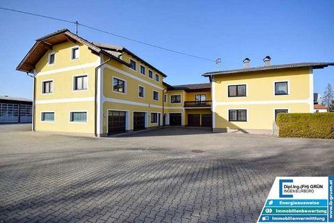 2 sehr große Wohnhäuser mit über 600m² Wohnfläche und fast 160m² Garagenfläche in Pichlwang Zum Verkauf kommen zwei sehr große Wohnhäuser mit einer Gesamtwohnfläche von über 600m² in Pichlwang im Bezirk Vöcklabruck. Die Objekte befinden sich auf eine...