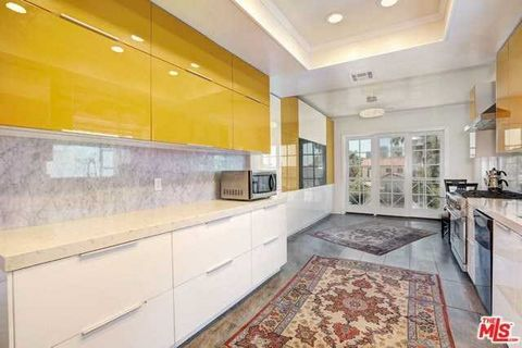 Detailed Description: Direct elevator access to your private, one of a kind, two story PENTHOUSE that spans the entire top floor with the most amazing views from every direction, including ocean views. This two-story condo consists of 4,000 sq.ft of ...