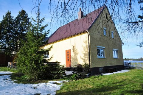 This spacious and comfortable house offers the chance to enjoy a wonderful holiday in a quiet area of the Erzgebirge (Ore Mountains), just 7 km from the German border. The recently renovated house lies on a large plot at the end of a cul-de-sac and i...