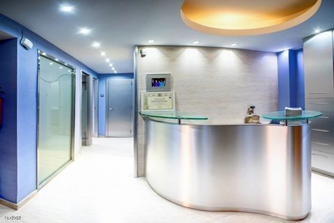 • Very Well Established Dental Clinic • 2 Surgery Rooms • Large Database of Clients • Retirement Sale A fabulous opportunity to purchase a very well established dental clinic near Barcelona. The practice is located on the first floor of a 3 storey bu...