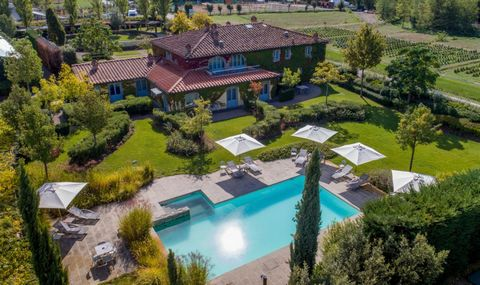 This villa with pool consists of 7 spacious apartments / studios and is located in Arezzo, in Tuscany. The estate comprises 2 acres and is completely fenced. It was formerly used as a monastery. The old convent has been transformed into a splendid vi...
