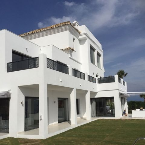 This exquisite villa is designed within a very large plot and offers fantastic contemporary modern living from the moment you step through the gated entrance. The entrance welcomes you to a stunning hallway with feature stairs and the open plan area ...