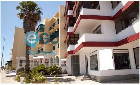 Commercial space available with 300sqm, in its entirety. Great visibility, well located, facing the beach of S. Pedro do Estoril, very bright, easy parking. With sea view, great for different services, Clinic, PetShop, SurfShop, office, commercial re...