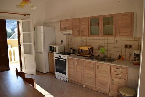 For sale a house of 95 sq.m. with 2 bedroom, living room, kitchen and 2 bathrooms.The houselocated in the Traditional settlement of Evangelismos Leros, under the Castle of Panagia. It is 150 m from the traditional port of Agia Marina, 100 m from th...