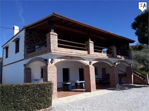 This 7 bedroom villa situated in the very popular and picturesque village of Comares is definitely worth a look at. The village of Comares, which is situated at 703m above sea level, is beautifully wedged on a enormous rock which over looks the Axarq...