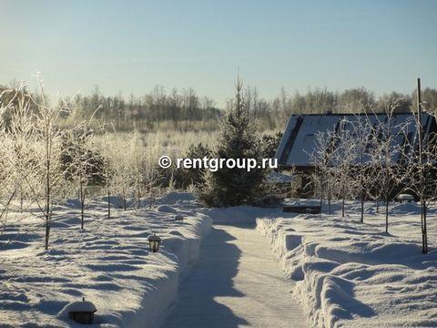 Лот №T7157630. Аренда на новый год, дом 120 кв.м, 2 эт, 3 спальни, гостиная, камин, кухня-столовая. Баня 200 кв.м, 2 эт, русская парная на 10чел, 2 душа, большой холл, комната отдыха 37 кв.м, джакузи горячая на 10 чел, купель холодная, веранда, билья...
