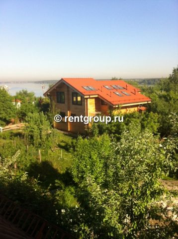 Lot number 19804 New house will give the first time, nice expensive furniture, stunning Pirogovskoe reservoir - house of laminated veneer lumber finished with ecological house in a quiet old suburban location on the Pirogov Reservoir, 50 meters to wa...