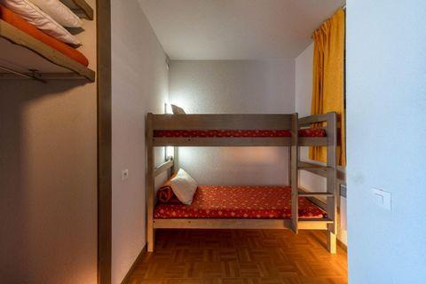 La résidence L'Écrin des Neiges*** à Chamrousse 1750 bénéficie d'une situation unique au pied des pistes et offre un panorama de rêve sur le massif du Taillefer jusqu'à la ville de Grenoble. Cette résidence de tourisme, avec ascenseur, affirme un car...