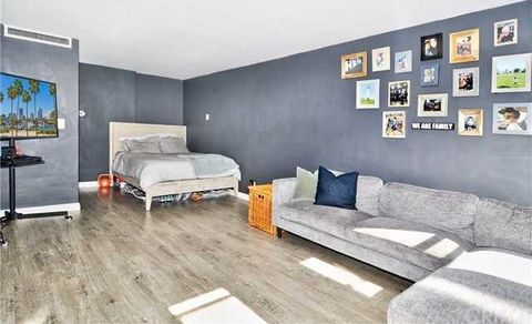 Address 100 Atlantic Avenue, Long Beach Property Subtype Condominium Price $250,000 Year Built 1958 Bedrooms Total 0 Bathrooms Full 1 Living Area 490 ft2 Lot Size (Sq.Ft.) 22,564 Detailed Description: Chic living in this downtown Long Beach studio. A...