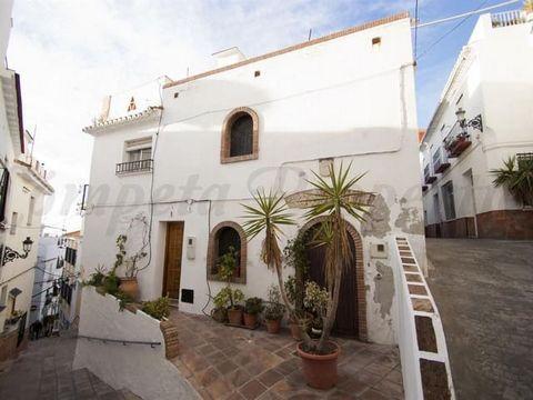 Casa adosada en el corazón de Torrox para sus vacaciones, 3 dormitorios, 3 baños, terrazas, vista al mar.