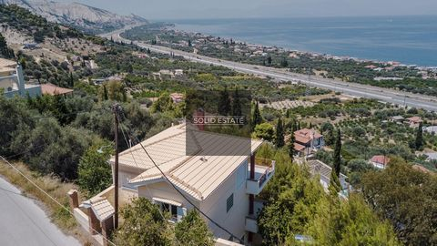 3 Floors, 5 bedrooms, 4 Bathrooms and balconies with beautiful sea view. Land: 2100 m² with various trees. Features Oil Heating Fireplace Solar Water Heating Garden Parking Spaces (open) Olive Trees Storage Room Services Beach : 1400 m Super market...