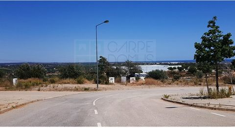 Lots of urban land with areas from 338m2 to 450m2, for construction of warehouses destined for industrial activity and warehouse. It has all the infrastructures completed (water, electricity and sewer network). This plot of 450m2 allows a constructio...