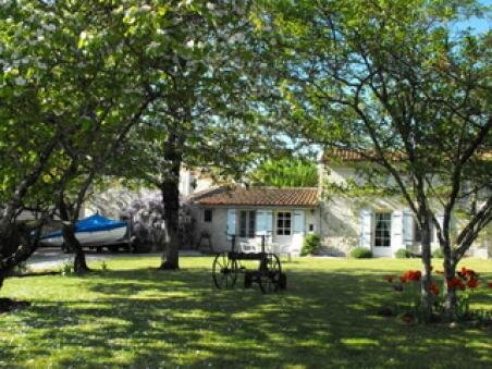 Our ref- AI4717 This is a very pretty longère situated in a village between the towns of Villefagnan and Chef Boutonne. It has the advantage of being within walking distance to the local bar and post office. The property has retained it's lovely orig...