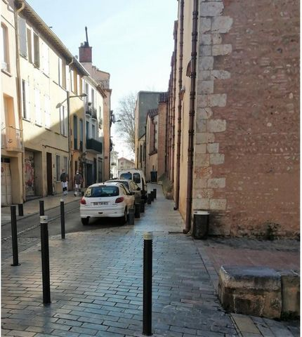 66000 PERPIGNAN THE REAL - BEL REPORT REAL WITH 6 APPARTEMENTS, GARAGE, COURette - effiCity, the real estate agency that estimates your property online, offers you this building of 200 m2, high two floors on ground floor and garage, having a ground r...