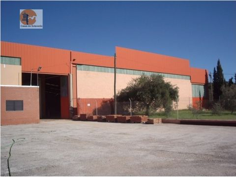 Warehouse located in Santa Catarina Fonte do Bispo, 7 KM to the entrance on the A22 towards Spain. With 7 meters in height, water abstraction itself. Mains water, gas tank with a capacity of 22,000 liters. Building area: 2520m2. Uncovered area: 1671m...