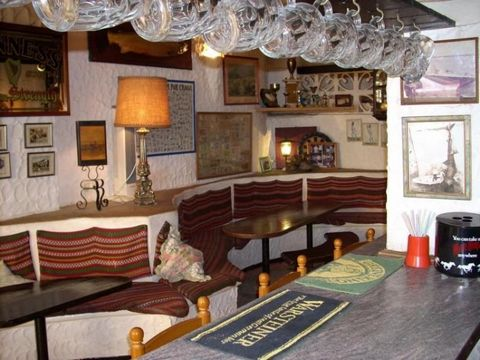 Asking price: €175,000 (Freehold) Not Trading! For Sale Bar Pub In Calpe With Living Accommodation For Two People Good Location With Heavy Passing Trade Ideal For Investment Couple Retiring Must Sell This ideally located Pub in Calpe has very good ...
