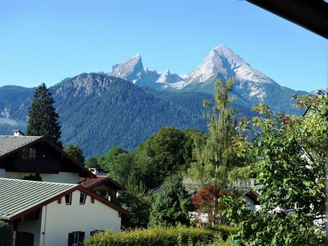125m2 generous living space with charm and modernity, 1.5 km from Berchtesgaden (Germany, Bavaria), 20 km from Salzburg (Austria). The apartment is on the first floor of an apartment building in the Bavarian style. Central location, a good starting p...