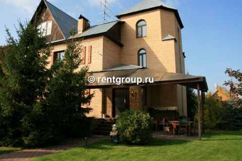 The four cottages 450 square meters. m In the house: 4 bedrooms, karaoke, board games, hookah, Russian sauna with wood (4 hours included), swimming pool with spring water. In the 18 hectare site is made landscaping, parking for 6 cars. You can also u...