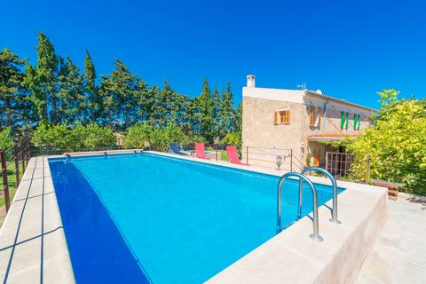 Charming villa with private swimming pool near Maria de la Salut, welcomes 5 people. Wonderful 150m2 two floor house, with a private chlorine 8m x 4m and a depth of 2m swimming pool. There are a few fruits trees, (lemons, khakis, cherries and apricot...