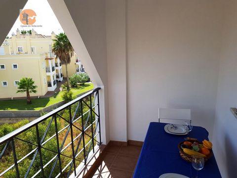 Wohnung in Manta Rota, Praia da Lota, zu vermieten von Oktober bis Mai. Dieses Anwesen befindet sich 200 Meter vom herrlichen Strand der Lota, bestehend aus 1 Schlafzimmer, 1 WC, 1 Wohnzimmer mit Meerblick, 1 voll ausgestattete Küche. Es ist im zweit...
