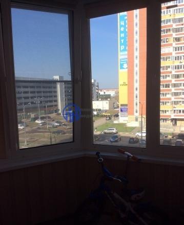 Московский г, Новомосковский административный округ, Московская улица 2, 2 комн., общ. пл. 64, жил.пл. 35, комнаты 20/15, кухня 12, 5/17 этаж, окна двор/улица, 2 санузла, 2 лоджии, евроремонт, ИНФОРМАЦИЯ ПО КВАРТИРЕ: • Продажа: -== СВОБОДНАЯ ==- • Ск...