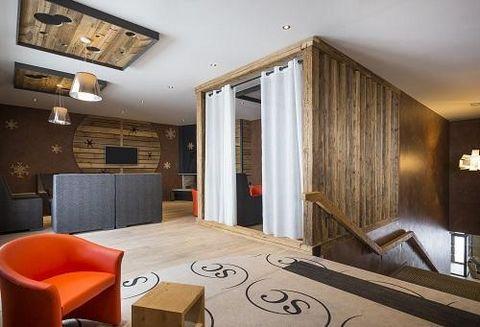 L'Hôtel Saint Charles Val Cenis**** est situé au cœur de la station de ski de Val Cenis à Lanslebourg-Mont-Cenis, à proximité des pistes de ski, à 50 mètres du télésiège TSD6 Ramasse. La résidence-hôtel est constituée de 55 chambres, 25 appartements ...