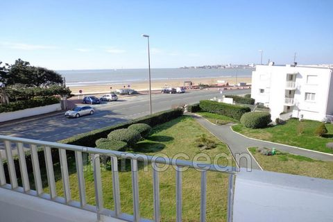 this sea view apartment of 87 m² offers a large living / dining room opening onto a sea view balcony, a bedroom (with 2 beds of 90) with balcony sea view and its private bathroom, a second bedroom (with 2 beds of 90 ) and its private bathroom, a kitc...