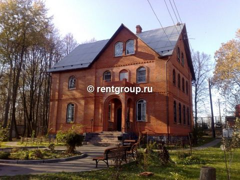 We offer to rent 2-level penthouse. Cottage is leased at night, weekends and holidays. Cottage includes: three comfortable bedrooms, a comfortable living room with fireplace and musical instruments, a spacious kitchen, complete with State-of-the-art ...
