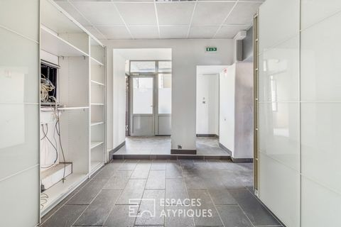 Located road from Strasbourg to Rilleux-la-Pape, this 170sqm commercial space takes place on the ground floor of a well-maintained building and offers good visibility. The set consists of a renovated part of 110sqm with two independent street entranc...