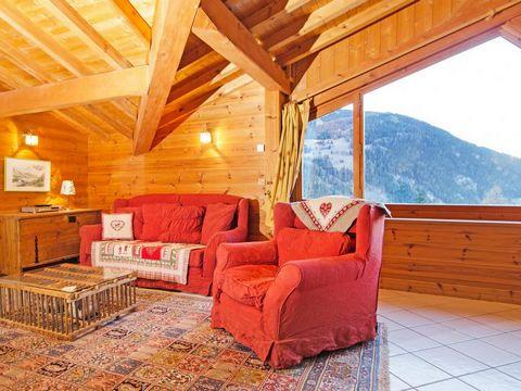 Le Chalet d'Alfred est situé dans la station de ski de Peisey-Vallandry, dans le cœur du village de Nancroix. Vous aurez une magnifique vue sur le glacier de Bellecôte. Vous pourrez rejoindre le domaine skiable des Arcs grâce à la navette gratuite, d...