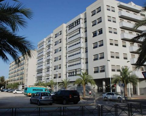 Excellent opportunity to own one of these ultra modern apartments in the haert of the city of Elcheandamp;nbsp;andamp;nbsp;with easy access to all the local amenities. These 2 and 3 bedroom apartments have been built to a high specification using the...